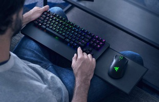 Đây là Razer Turret, bộ phím chuột đầu tiên dành cho Xbox, giá gần 6 triệu, hỗ trợ 16 game, dùng được cả cho máy tính