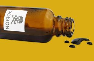 Hỏi khó: Thuốc độc lúc hết hạn sẽ không độc nữa hay còn nguy hiểm hơn?