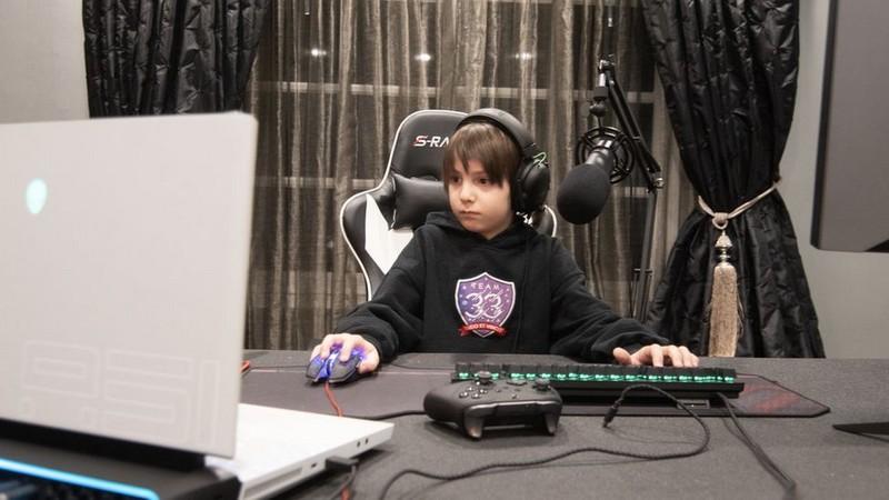 Mới 8 tuổi, cậu nhóc được treo thưởng 750 triệu để ký hợp đồng game thủ chuyên nghiệp