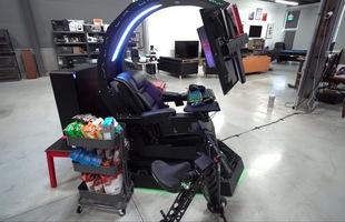 """Chiêm ngưỡng cỗ máy mang lại """"trải nghiệm chơi game tối thượng"""" có giá tới gần 700 triệu của chủ kênh YouTube Unbox Therapy"""