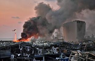 Khung cảnh tan hoang như game hậu tận thế tại Beirut (Lebanon) sau vụ nổ mạnh ngang 240 tấn TNT