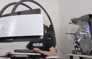 Ngất với dàn máy tính chơi game trị giá 350 triệu đồng, ngồi lên là thấy đẹp trai rồi