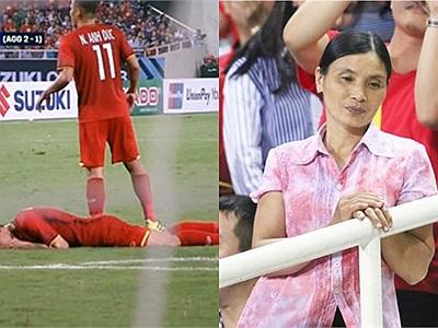 """Văn Hậu liên tục bị """"hứng đòn"""" chơi đểu của đội bạn nằm gục đau đớn trên sân, mẹ trên khán đài rưng rưng nước mắt"""