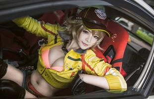 """""""Nóng hừng hực"""" với cô nàng sửa xe Cindy trong Final Fantasy XV"""