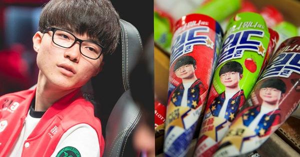 """Thương hiệu kem Faker chính thức có mặt tại Hà Nội, giá rẻ bất ngờ, vừa ăn vừa xuýt xoa vì vẻ """"đẹp trai"""" của Chủ tịch"""