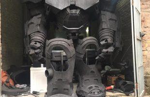 Xuất hiện mô hình bộ giáp Hulkbuster khổng lồ tại Việt Nam