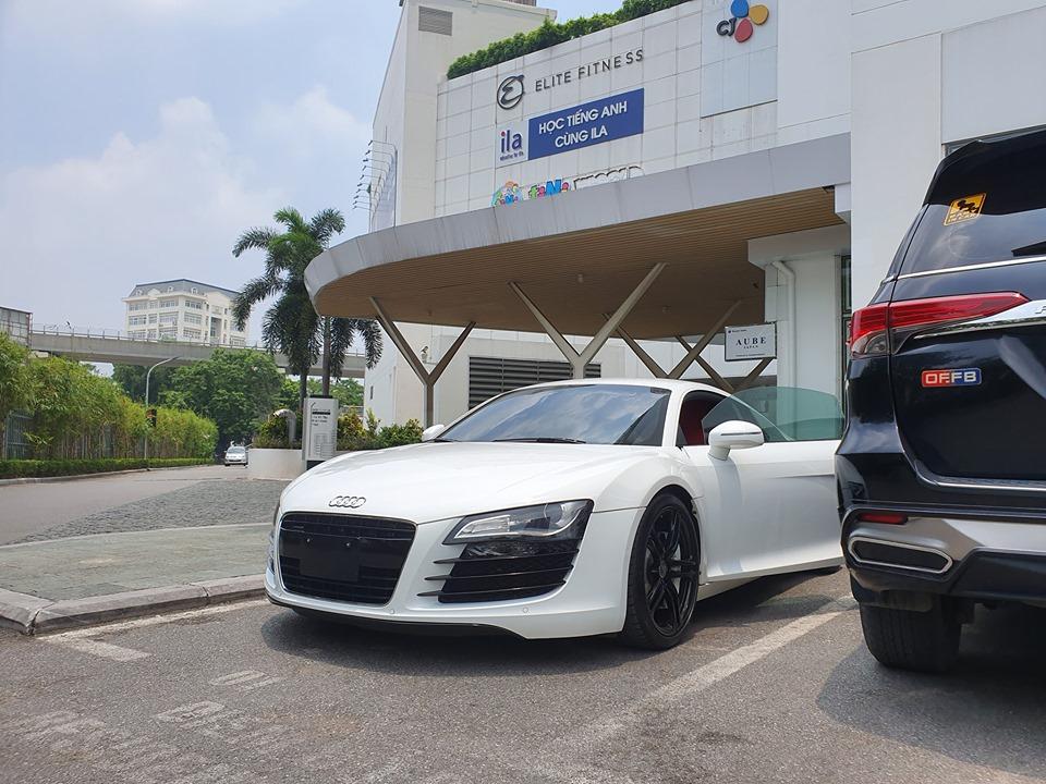 Thêm siêu xe từ Lào về Việt Nam, lần này là Audi R8 V8 đời cũ với giá cực rẻ