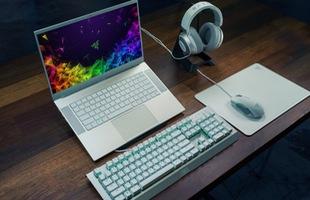 Razer ra mắt laptop chơi game 15.6 inch mới giá mềm hơn, có thêm phiên bản hạn chế màu trắng thủy ngân