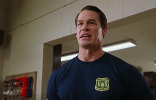 """Huyền thoại đô vật John Cena trở thành bảo mẫu """"bất đắc dĩ"""" trong siêu phẩm hài Đùa Với Lửa"""