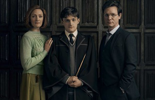 Fan Harry Potter nổi nóng vì lâu lâu J. K. Rowling lại hé lộ một chi tiết chẳng ai mong muốn