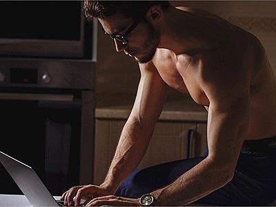 Đàn ông độc thân nên làm gì vào mỗi tối?