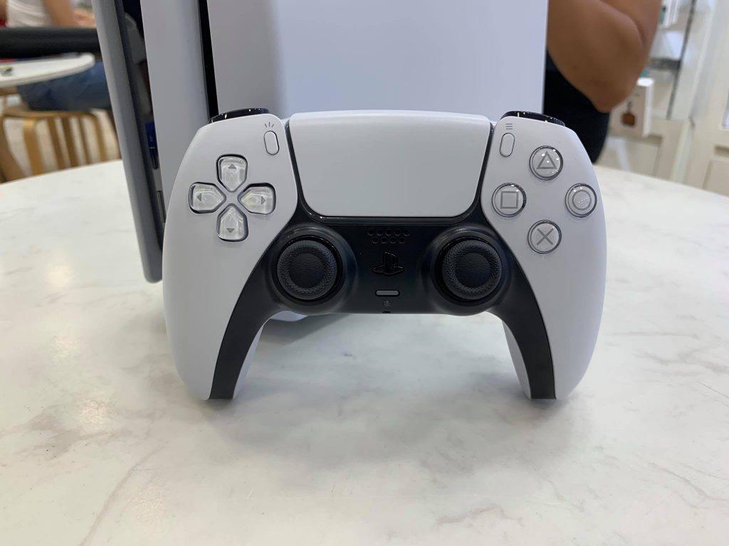 Trải nghiệm tay cầm DualSense - Bước đột phá lớn đến từ Sony