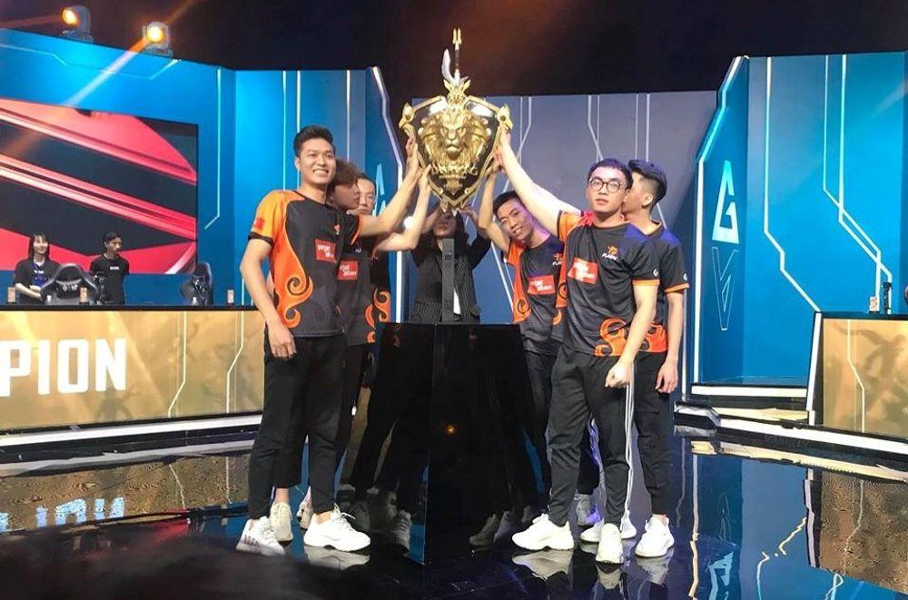 Team Flash hủy diệt Saigon Phantom, lên ngôi vô địch Đấu Trường Danh Vọng lần thứ 4