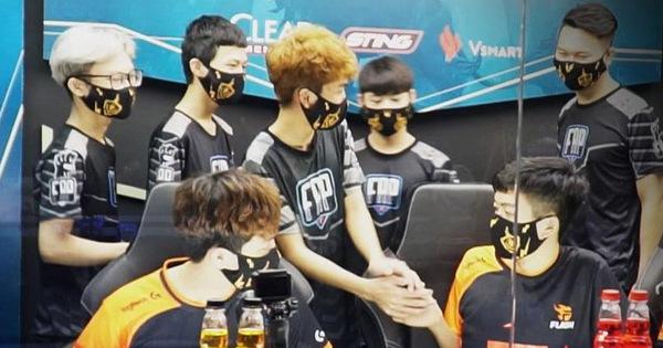 """Sau trận thua FAP Esports, tuyển thủ Team Flash đua nhau tự nhận """"tôi hết thời rồi"""""""
