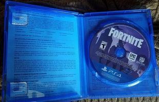 Chuyện thật như đùa: Đĩa cài game Fortnite đang có giá đến 30 triệu đồng