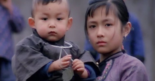 """Bị ép cưới em bé 2 tuổi, cô gái lén lút ngoại tình rồi có bầu với trai lạ: Phim Trung """"phá vỡ tam quan"""" này càng xem càng tức run người!"""