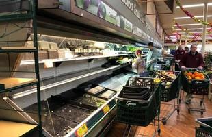 Vô duyên vô cớ, siêu thị phải đổ bỏ hàng tấn thực phẩm sạch trị giá gần 1 tỷ đồng vì hành động thiếu ý thức của một người phụ nữ