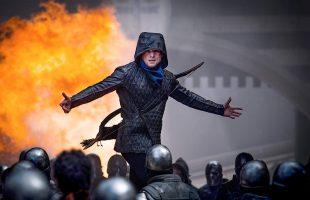 Review phim Robin Hood 2018: Hành động đẹp mắt, dàn diễn viên 'trai xinh gái đẹp' nhưng nội dung có quá nhiều 'sạn'