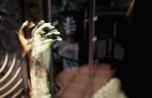 """Ác nhân xuyên vật thể Ghost tấn công Ant-Man trong trailer mới """"Ant-Man and the Wasp"""""""