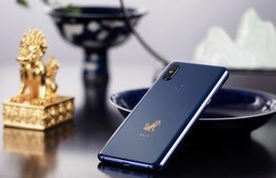 """Cận cảnh Xiaomi Mi Mix 3: Màn hình trượt độc đáo, chiếm tỷ lệ 93,4% mặt trước, thiết kế cao cấp, phiên bản """"Tử Cấm Thành"""" in hình kỳ lân"""